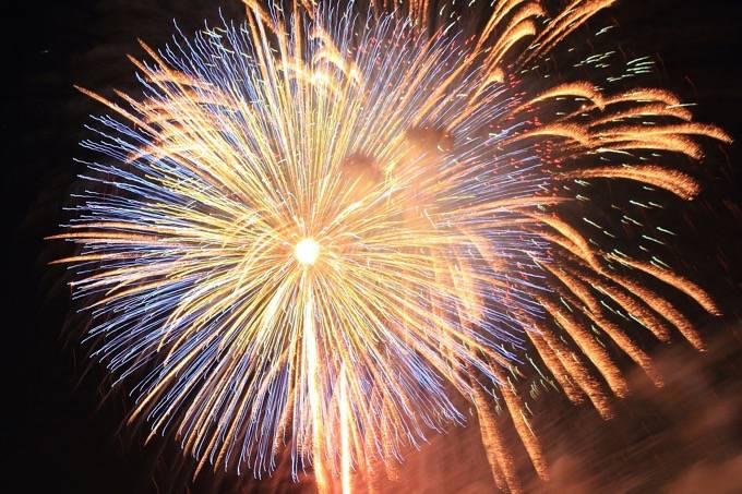 平地でさえぎるものが無く見晴らしが最高!「第42回うきは筑後川温泉花火大会」