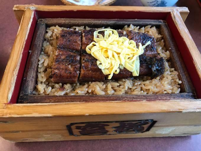 富松うなぎ屋 黒田本店 名物「セイロむし」