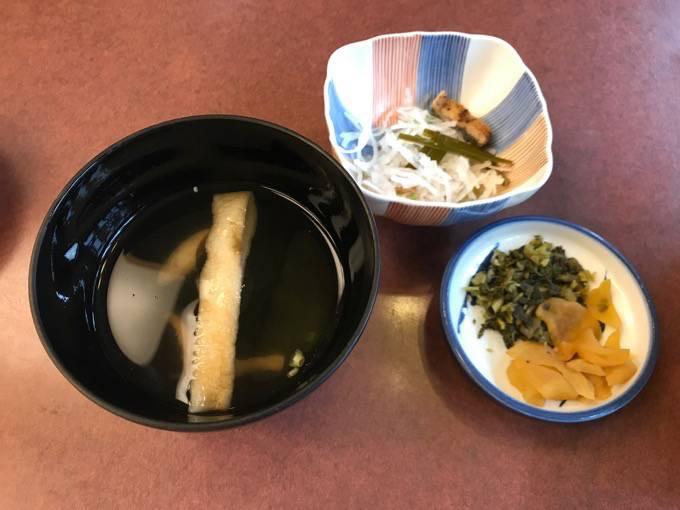 富松うなぎ黒田本店 お吸い物・漬物・小鉢