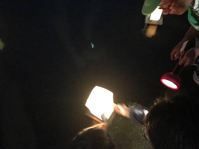 久留米流し灯籠 筑後川へ灯籠を流す