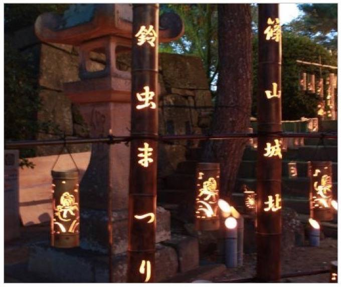 篠山城趾鈴虫まつり 久留米城跡(篠山神社)約400本の竹灯篭の光と鈴虫の声