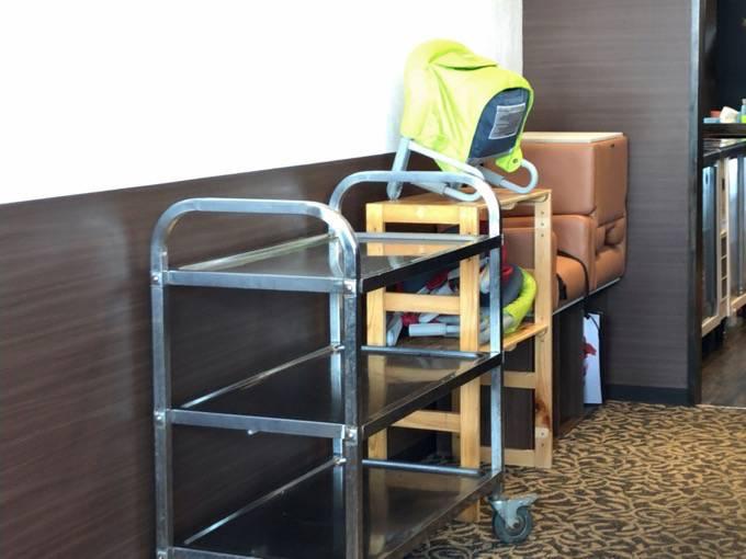 元町珈琲うふふ テーブル席用子ども椅子