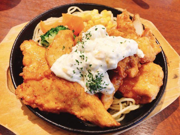 元町カフェ ふもと赤鶏のチキン南蛮