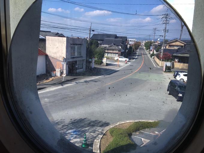 田主丸ふるさと会館の窓