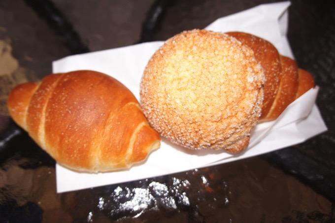 パンネスト 不動の人気No.1 塩バターロールとメロンパン