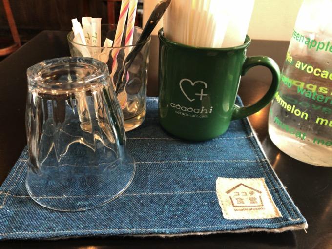 久留米市 ココチ食堂テーブル席のランチョマット