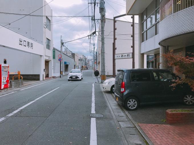 久留米市 ココチ食堂店の道2