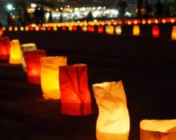 久留米市 北野天満宮「千灯明祭」約1000本のローソクに御神火が灯る