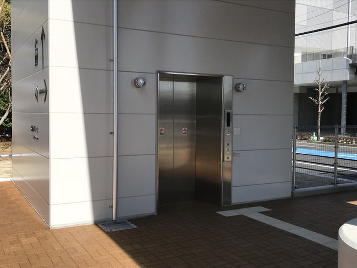 久留米アリーナ 歩道橋 エレベーター
