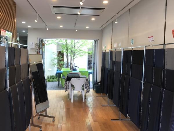 紳士服イージーオーダー展示販売会 マルヒロ店内2