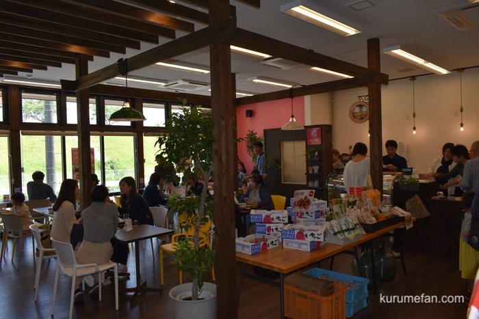 HIROKAWA里カフェまち子のおやつ店内