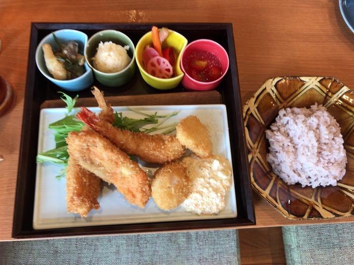 Cafe&Dining CoCola(ココラ)海鮮ミックスフライ
