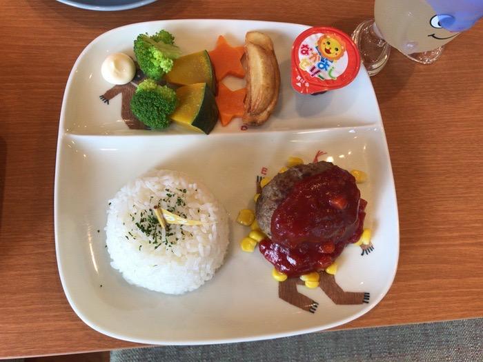 Cafe&Dining CoCola(ココラ)Kids Lunch(キッズ・ランチ)のハンバーグプレート