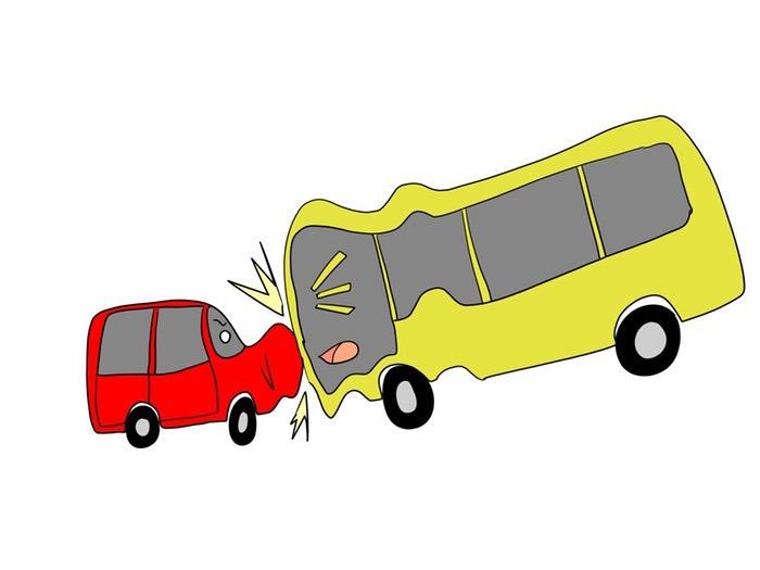 久留米市日吉町 軽自動車と西鉄バスが衝突事故 1人が病院へ搬送