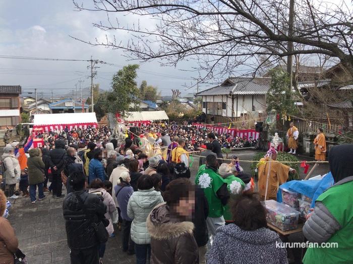 如意輪寺 節分祭 多くの人で賑わう