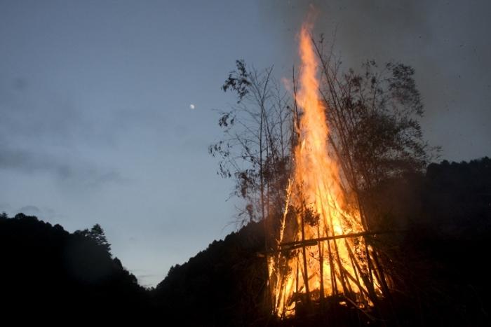 小郡市 日吉神社「左義長・どんど焼き」ぜんざいのふるまい