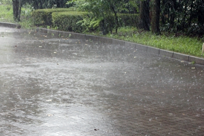 筑後南部に大雨警報、雷、洪水注意報 土砂災害に警戒