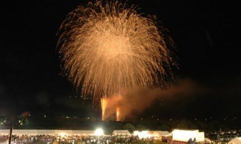 夏まつりあさくら 約1,000発の花火!迫力の一尺玉10連発も