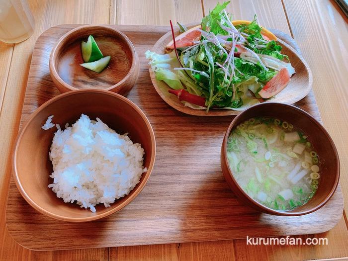 九重高原定食 焼肉定食 ご飯・サラダ・味噌汁・漬物