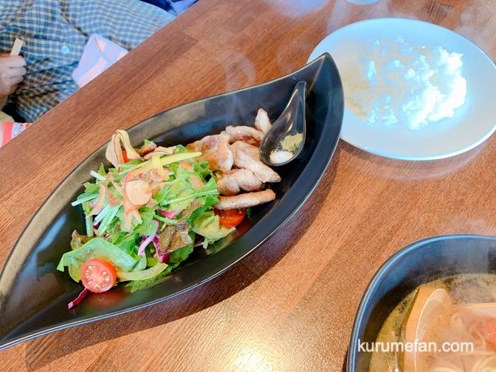みのう山荘カフェ みのういーっとん一口ステーキ セットの野菜スープ