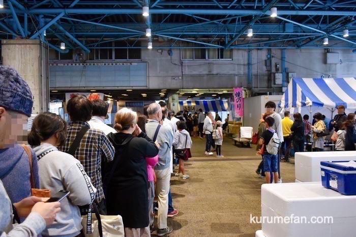 久留米市 市場祭り 海鮮丼購入者の行列