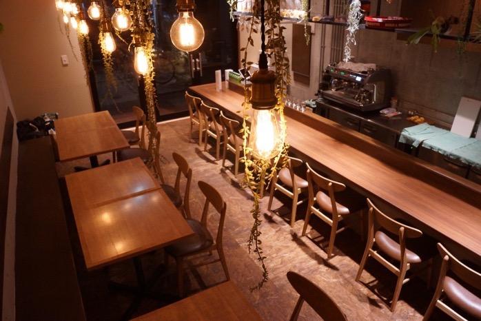 cuoco italiano GOCCI(ゴッチ)カウンター8席、テーブル12席