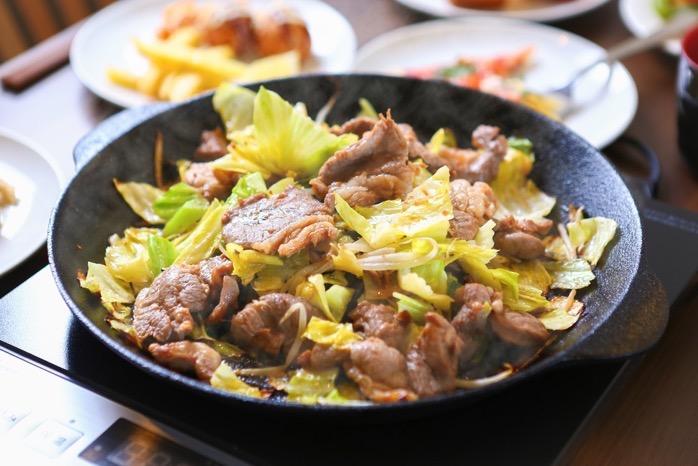久留米市 頂(いただき)九州では珍しい南部鉄器ジンギスカン鍋で焼く『鍋焼き』