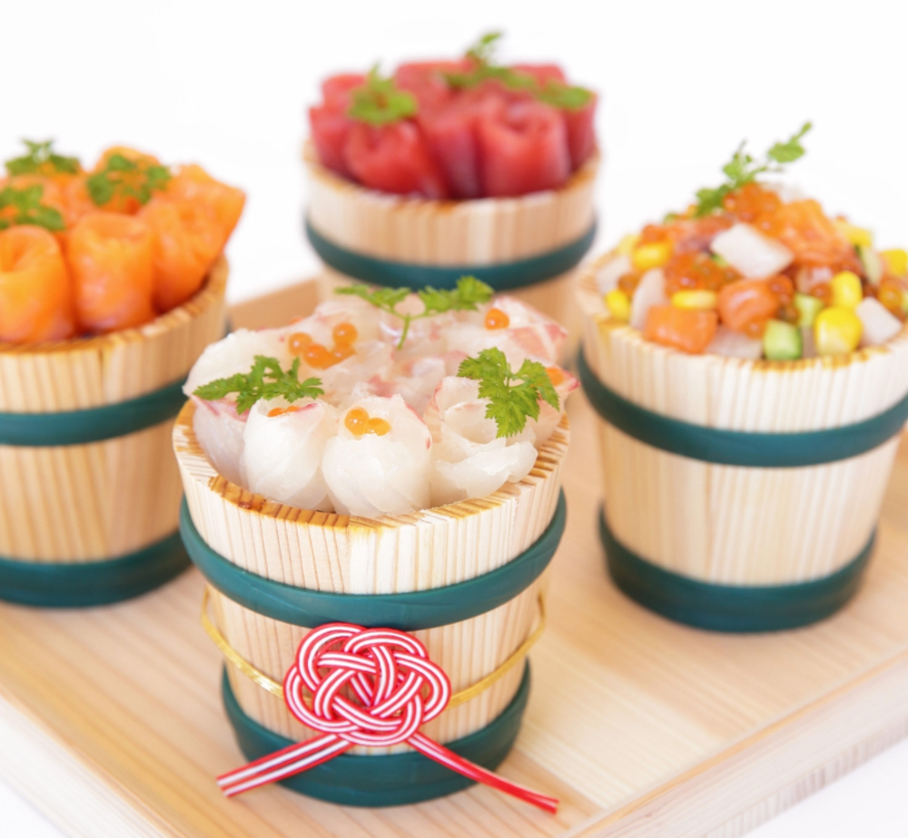 魚政「デコ寿司」デコ樽