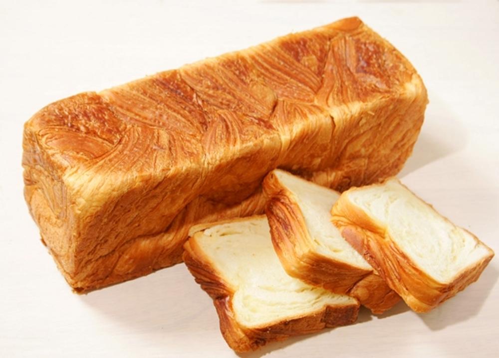 デニッシュ食パン ボローニャ