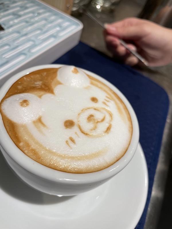 GOCCIのインスタグラムをフォローして画面を提示すると「ラテアートカプチーノ含むカフェ一杯サービス特典」