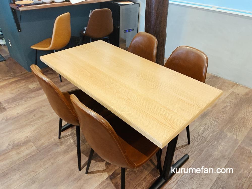 鐵板酒場 晴カス(はるかす)カウンター席、テーブル席