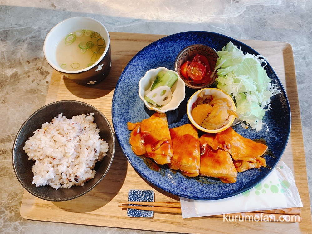 Two shot cafe 本日のランチ「ポークチャップ」