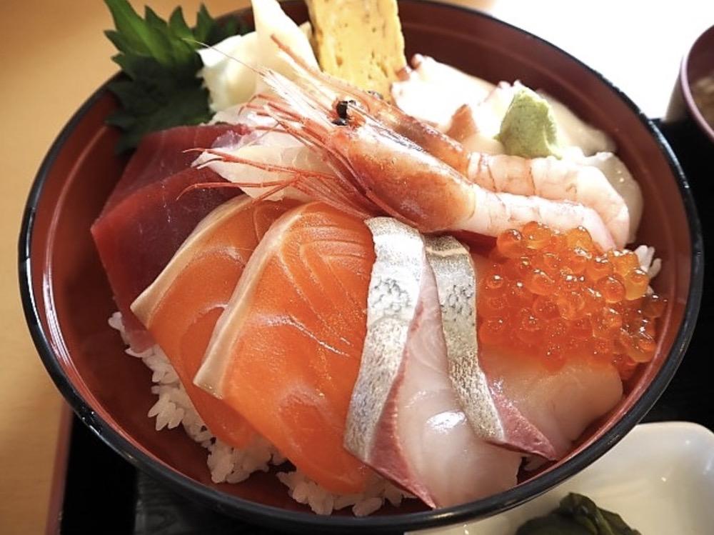 魚家食堂 魚介メインの食堂が10月13日オープン予定