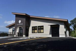 大牟田市ともだちや絵本美術館 日本初、動物園内に10月1日オープン!