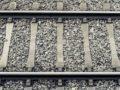 久留米市荒木町荒木のJR鹿児島線の踏切で普通列車にはねられ男性死亡