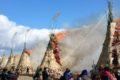 柳川市「両開ほんげんぎょう祭り」と「軽トラ市」投げ餅も開催